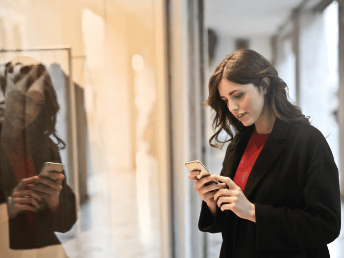 Reverse lookup mobile phone numbers for free